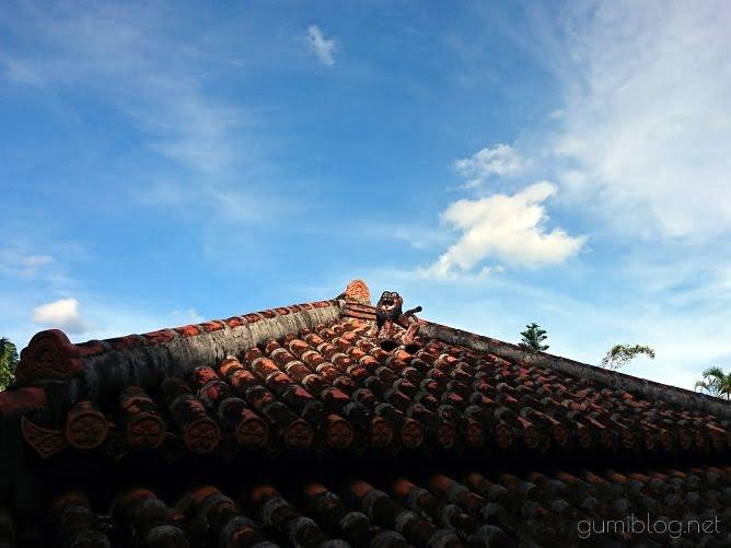 琉球古民家赤瓦の画像