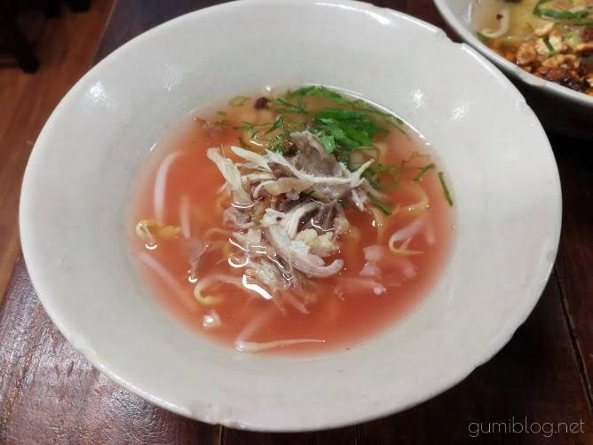 【Chicken Noodle Khaokrung】@サイアムのイエンタフォー画像