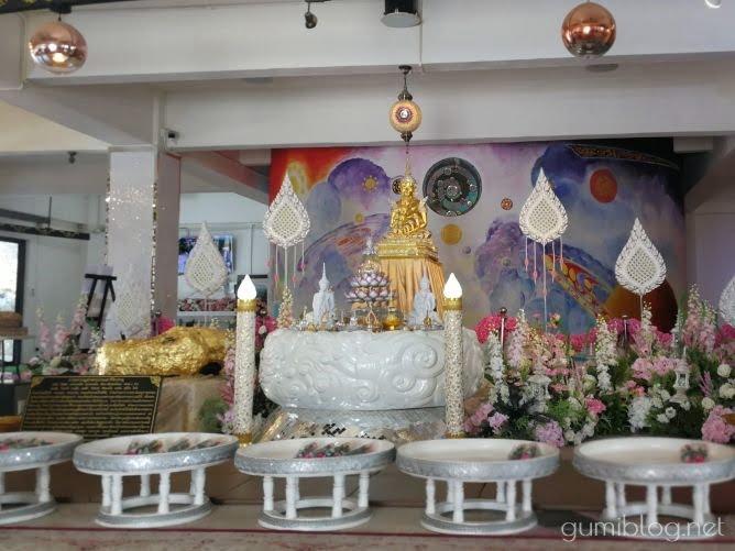タイのお寺【ワット・プラタート・パーソーンケーオ】の内部
