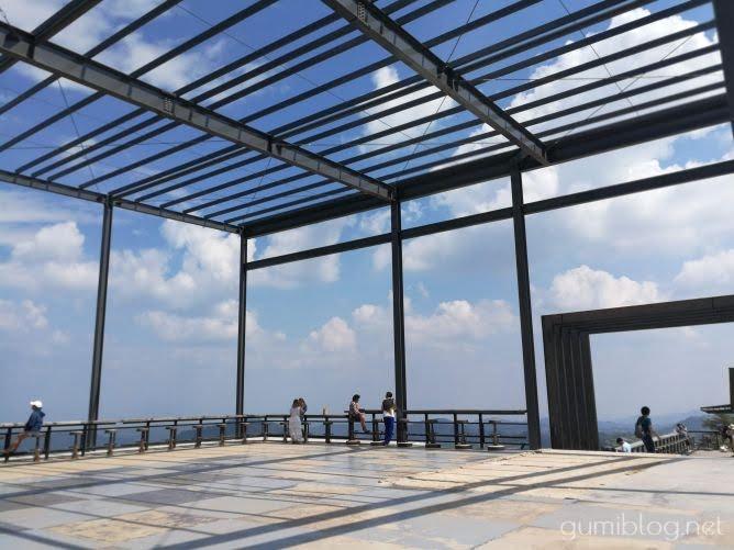 タイ・カオコーの人気絶景カフェ!ピノ・ラテカフェ(Pino Latte Resort & Cafe)から雲海を眺めよう@ペッチャブーン