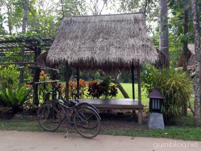 タイ・カンチャナブリの人気水上ホテルで流れ星を見よう!ザ・フロートハウス・リバークワイでサイクリング
