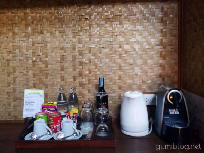 タイ・カンチャナブリの人気水上ホテルで流れ星を見よう!ザ・フロートハウス・リバークワイのミニバー
