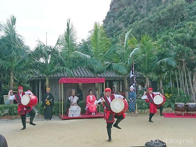 毎日エイサーショーや島唄ライブなど開催!琉球村(北部・恩納村)