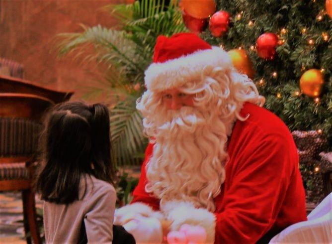 オキナワマリオットリゾート&スパ「3日間限定でサンタクロースとふれあえる」(沖縄クリスマスディナービュッフェ)