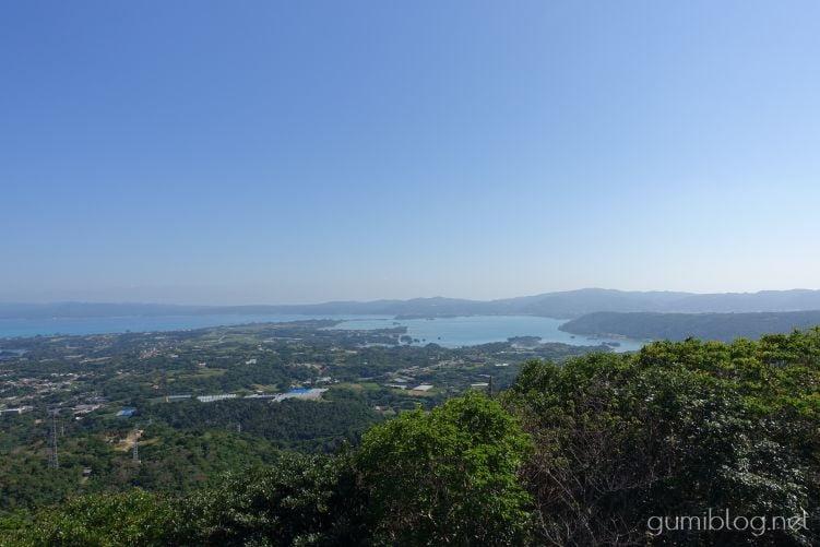 乙羽岳森林公園展望台からは羽地内海方面が望める
