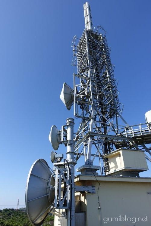 乙羽岳森林公園展望台のNHKの電波塔