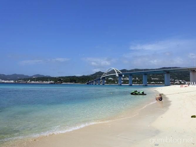 【瀬底島のアンチ浜】シュノーケリングやマリンスポーツが楽しい!行き方や駐車場など