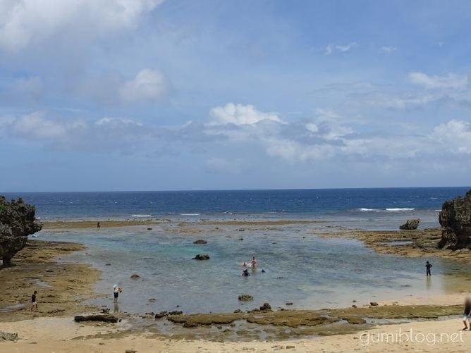 古宇利島のトケイ浜のアウトリーフは潮の流れに注意